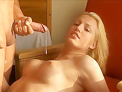 shemale,shemale blonde,shemale blowjob