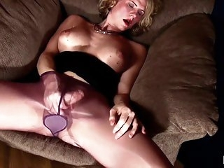 masturbation,matures,pantyhose