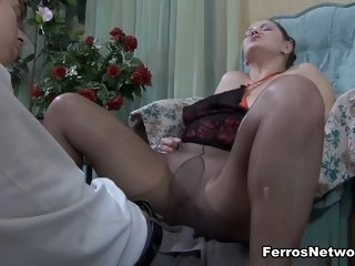 fetish,mature,stockings