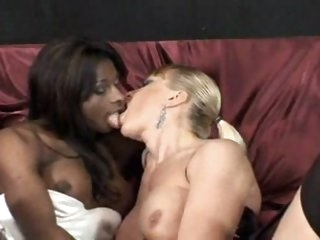 shemale cumshot,shemale group sex,shemale interracial